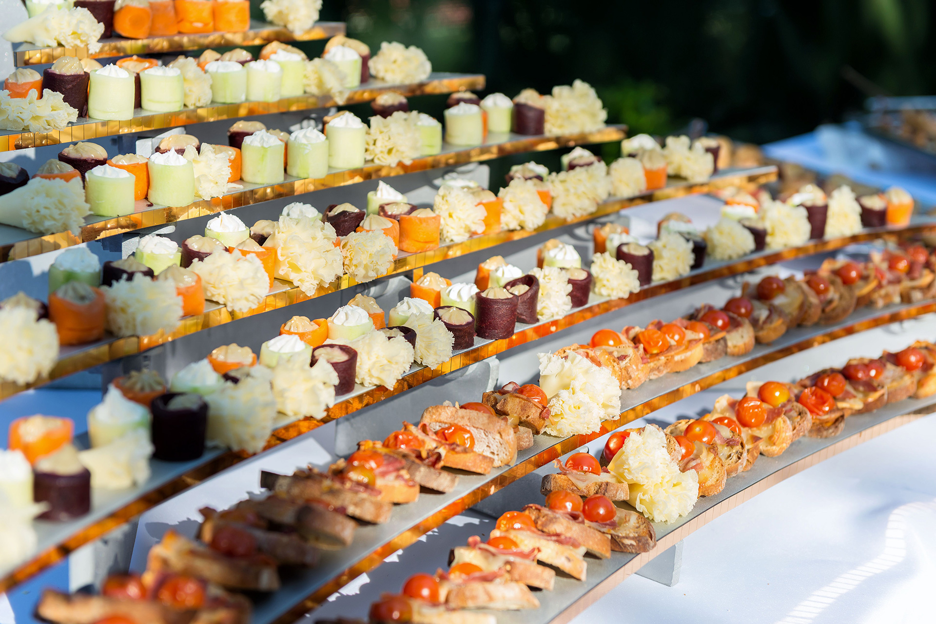 Wedding / Services / Grazing Tables
